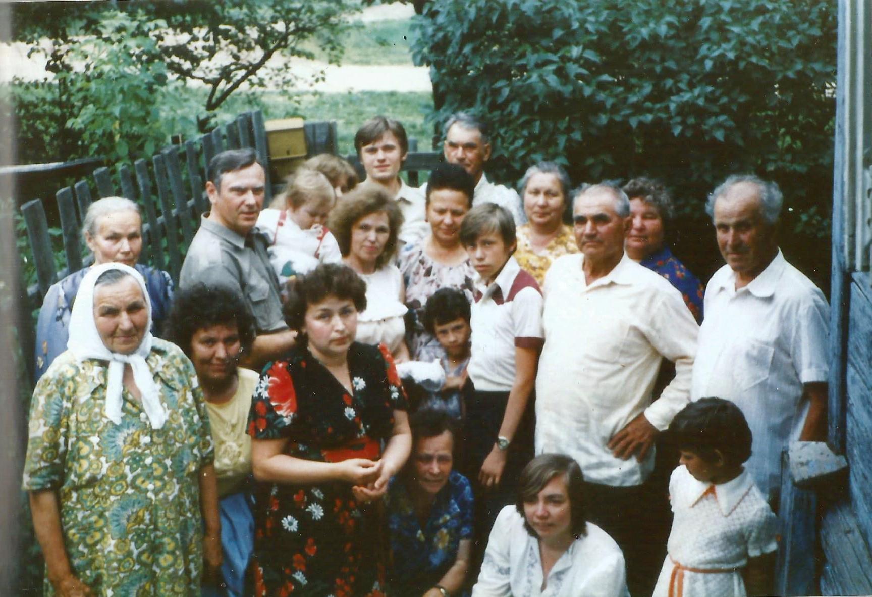 Семья Хлебянкиных - Белозеровых с родными 1987