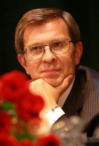 Пётр Акаёмов