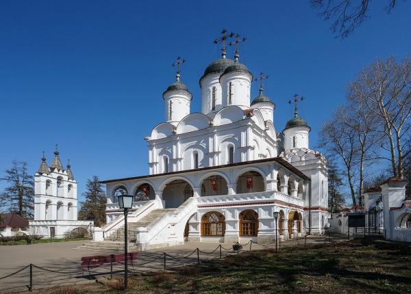 Б. Вязёмы. Храм и звонница
