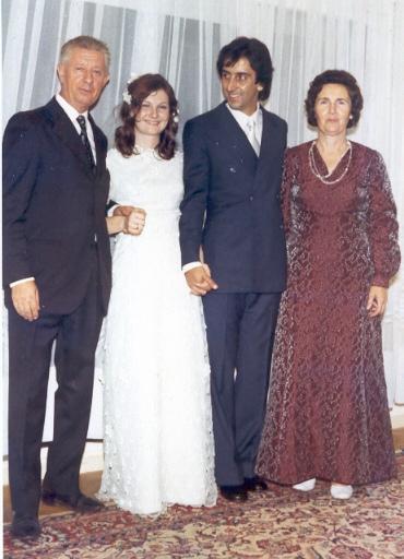 С дочерью Натальей, зятем Альваро и Ниной Дмитриевной (справа)