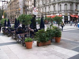 Типичный вид авениды де Майо