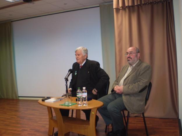 Академик Толочко честно, прямо, открыто и аргументировано говорит о том, что  после обретения государственной независимости в исторических исследованиях Украины обозначилась тенденция так называемого нового прочтения нашего прошлого