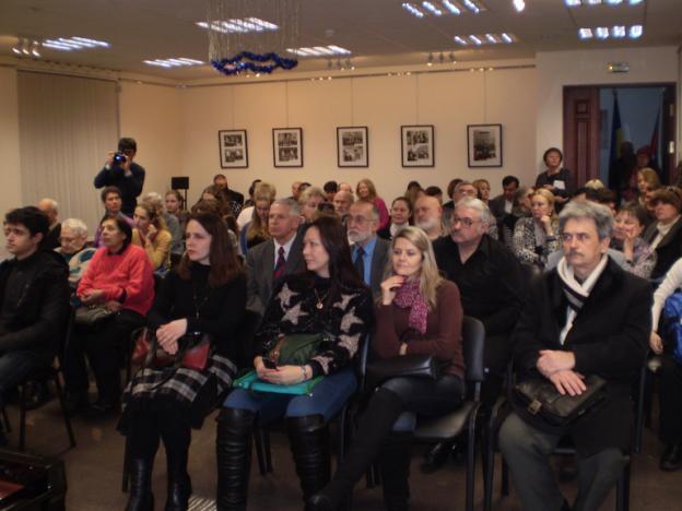 Надо было только видеть, с каким вниманием слушали Петра Петровича и слышать всплеск аплодисментов в его адрес